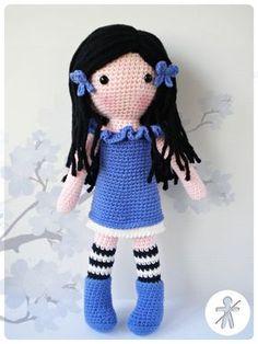 Crocheted by AmigurumisFanClub!!! ...Free pattern: http://www.artedetei.com/2014/11/gorjuss-amigurumi-con-patron-otro-modelo.html