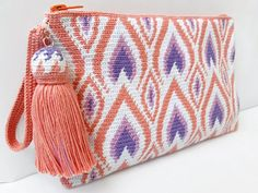 Your place to buy and sell all things handmade - Wayuu makeup bag with geometric design cotton cosmetic bag Crochet Clutch, Crochet Handbags, Crochet Purses, Mochila Crochet, Tapestry Crochet Patterns, Tapestry Bag, Knitted Bags, Cotton Bag, Zipper Bags