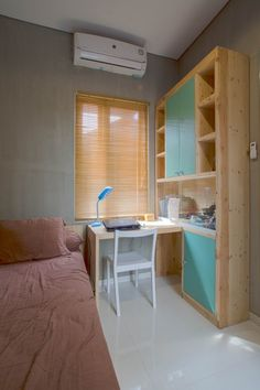 Image 9 of 23 from gallery of Bioclimatic and Biophilic Boarding House / Andyrahman Architect. Photograph by Mansyur Hasan Small Room Bedroom, Bedroom Decor, Home Room Design, House Design, Boarding House, Student House, Minimalist Room, Cozy Room, Aesthetic Rooms
