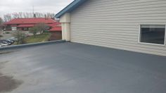 Membrane at parapet at issue. Bragg Creek, Pvc Roofing, Red Deer, Roof Repair, Flat Roof, Condominium, Calgary, Outdoor Decor, Home