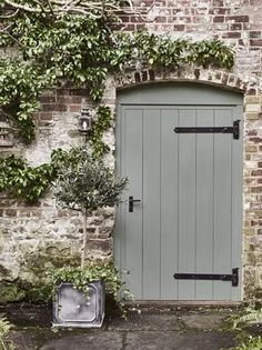 Style Cottage, Cottage Porch, French Cottage, Cottage Front Doors, Small Cottage Garden Ideas, Garden Cottage, Backyard Cottage, Painted Shed, Painted Doors