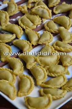 Indonesian Desserts, Indonesian Food, Cookie Recipes, Snack Recipes, Snacks, Cook N, Lumpia, Cake Cookies, Cooking Time
