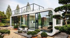 The selfcontained mobile prefab Coodo lets you live anywhere in the world Inhabitat Green Design Innovation Architecture Green Building Modern Mobile Homes, Modern Prefab Homes, Modular Homes, Prefab Houses, Modern Tiny House, Modern Loft, Modern Bungalow, Green Building, Building A House