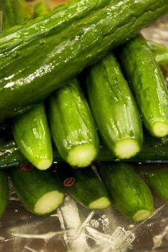 Tsukemono: Japanese Pickled Cucumbers with a little Togarashi Red Pepper (to add some bite to the crunch)|きゅうりの漬け物