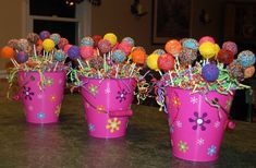 Cake pop centerpieces for childrens' birthday parties. Cake pop centerpieces for childrens' birthday parties. Candy Theme Birthday Party, Candy Party, Birthday Parties, Birthday Table, Birthday Ideas, Baby Shower Centerpieces, Party Centerpieces, Baby Shower Decorations, Cake Pop Centerpiece