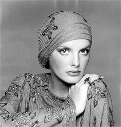 Francesco Scavullo photo of Rene Russo Rene Russo, 80s Fashion, White Fashion, Francesco Scavullo, Turban Style, Vintage Fashion Photography, Face Photo, Vintage Hollywood, Supermodels