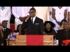"""R. Kelly Sings """"I Look To You"""" At Whitney Houston's Funeral, via YouTube."""