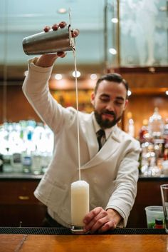 How to make a Ramos Gin Fizz from The Sazerac bar at the roosevelt hotel in New Orleans, The Taste SF Best Cocktail Bars, Best Cocktail Recipes, Strawberry Banana Milkshake, Mixology Bar, Cocktail Photography, Travel Photography, New Orleans Hotels, Recipe For Teens, Gin Fizz