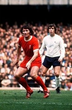 Derby Co 2 Liverpool 1 in Sept 1972 at the Baseball Ground. Tommy Smith defends with Kevin Hector hanging back Liverpool Fc, Derby County, Football, Baseball, The Past, Kicks, Running, Legends, Action