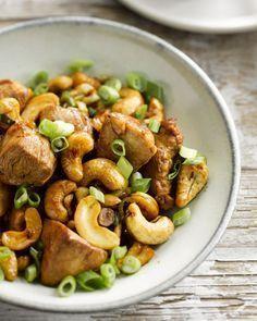 Wok van kip met cashewnoten en lente-ui. Ik doe er een extra groentepakket in van 250 gram.