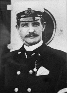 William McMaster Murdoch – the first mate. It was he who carried the watch, and was unable to prevent a collision with an iceberg. William Murdoch was killed along with the Titanic.
