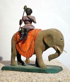 Grulicher Krippenfigur - Elefant mit Treiber um 1900   (# 3901)