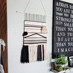 The bohemian look throws all the interior decorating rules out the window. When you embrace boho home decor, you get to decorate however you want. Boho Diy, Boho Decor, Woven Wall Hanging, Nature Decor, Ladder Decor, Diy Home Decor, Interior Decorating, Weaving, Wall Decor