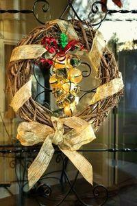 How to Make Wreaths Using Grapevines | eHow.com