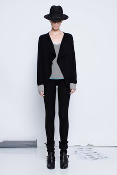 Zadig et Voltaire flap jacket, long sleeves, with cuffs in a contrast color, 100% cashmere
