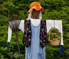 Scarecrow with a basket