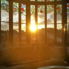 The sun setting on another great weekend #sunset #Barcelona #elpalauetlivingbarcelona #luxuryhotel #travel