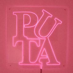 """PUTA: El término """"puta"""" según la RAE es una calificación denigratoria. Este término deposita una gran carga social e ideológica, y aunque muchas veces se considere sinónimo de prostituta, lo cierto es que en la vida cotidiana el término """"puta"""" suele utilizarse como insulto."""