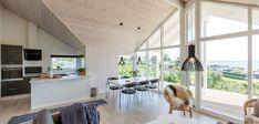 Klassisk sommerhus med unik beliggenhed og udsigt Home Technology, My House, House Design, Classic, Inspiration, Elegant, Home Ideas, Bedroom, Derby