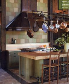 grand kitchen in green