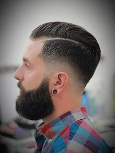 Dapper Haircut is increasing in popularity. Dapper Haircut, Gentleman Haircut, Beard Haircut, Fade Haircut, Short Hair With Beard, Mens Hairstyles With Beard, Boy Hairstyles, Hair And Beard Styles, Hair Styles