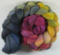 Garnet Gold merino wool top for spinning and felting 4