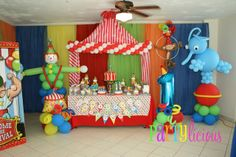 Can you smell the peanuts? #Circus #Party