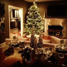 @SamiRiccioli shows us her Christmas decor on Instagram. Lovely!