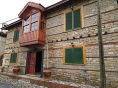 İki katlı doğal taş ev #taşev #doğaltaşev #taşevmodelleri #antalya #manavgat #kalemler #doğaltaşlar #taşdekorasyon yazının devamı http://mhmtky.com/2016/03/12/iki-katli-dogal-tas-ev/