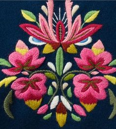 Kim Marie's Embroidery: Beautiful examples of Norwegian embroidery.