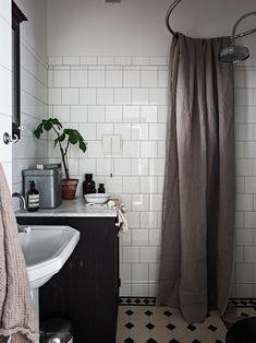 Home Decor Recibidor .Home Decor Recibidor Old Bathrooms, Dream Bathrooms, Small Bathroom, Bathrooms Decor, Cheap Wall Decor, Cheap Home Decor, Bad Inspiration, Bathroom Inspiration, Bathroom Fixtures