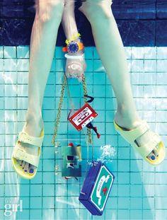 첨벙! 소녀가 물에 뛰어 들었다 - Voguegirl.co.kr