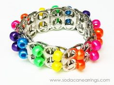 Bracelet avec capsules de canettes et perles