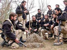 5th SFG(A) ODA 585 in Kunduz Afghanistan. (2001) [21601620]