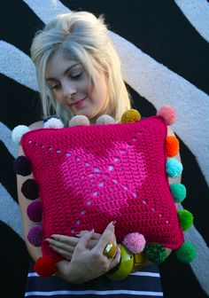 Pom pom trim crochet cushion / PDF Pattern (available)