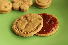 Celozrnné sušienky - Formičkáreň Tahini, Nutella, Cookies, Desserts, Food, Basket, Crack Crackers, Tailgate Desserts, Deserts