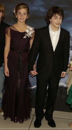 """Daniel Radcliffe, Emma Watson attend the premiere of """"Harry Potter and the Prisoner of Azkaban"""" in London on May 30, 2004"""
