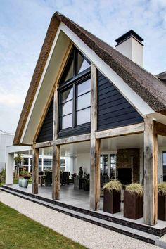 Home Design Decor, Cottage Design, Build My Own House, Villa, Next At Home, Amazing Architecture, House Colors, Future House, Decoration
