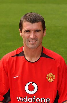 A portrait of Roy Keane during the Manchester United official photocall at Old Trafford on August 11 2003 in Manchester England David Beckham Manchester United, Manchester United Official, Manchester United Legends, Manchester England, Manchester United Football, Old Trafford, Messi, Man Utd Squad, Roy Keane