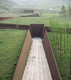 Memorial Architecture, Museum Architecture, Green Architecture, Memorial Museum, Memorial Park, Landscape And Urbanism, Landscape Design, Parking Plan, Jardin Decor