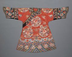 A Manchu noblewoman's embroidered summer gauze informal robe, danpao, 19th century