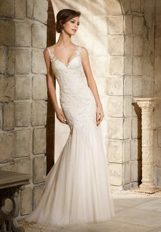 5365 Wedding Gowns / Dresses Embroidered Appliques on Soft Net Gown
