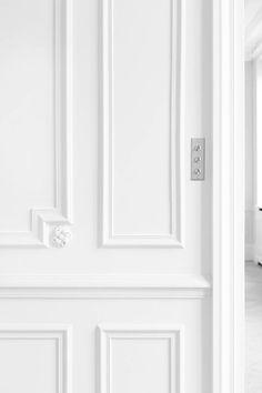 Mejuki Made - alexandver: White Blank Page, Apartment Walls, Wall Trim, White City, Paris Apartments, Minimal Fashion, Minimal Style, House Rooms, Decoration