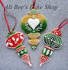 Ali Bee's Bake Shop: Tutorial: Edible (OR Storable) Christmas Cookie Ornaments