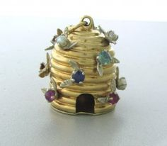 Vintage 14k Gold Gemset Beehive Charm Pendant : 17.3 grams