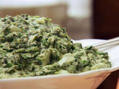 Easy Cheesy Spinach - Easy Cheesy Spinach recipe from Claire Robinson via Food Network I added a little Parmesan too – - Cheesy Spinach Recipe, Frozen Spinach Recipes, Creamed Spinach, Spinach Dip, Sauteed Spinach, Chopped Spinach, Spinach Gratin, Spinach Casserole, Food Network Recipes