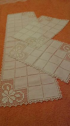 Crochet Tablecloth, Crochet Doilies, Crochet Flowers, Crochet Lace, Crochet Square Patterns, Crochet Designs, Knitting Stitches, Knitting Patterns, Simply Crochet