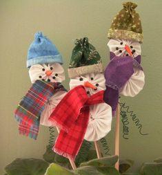 Muñeco de nieve ornamento Kit  hacer tres por FancyThatArtJewelry