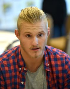 """Alexander Ludwig Photos - Actor Alexander Ludwig attends """"Vikings"""" during Comic-Con 2014 at San Diego Convention Center on July 2014 in San Diego, California. - """"Vikings"""" At Comic-Con 2014 Alexander Ludwig Vikings, Bad Boys, Jonny Weston, Avatar, Vikings Ragnar, German Girls, Man Bun, Famous Last Words, Thomas Brodie Sangster"""