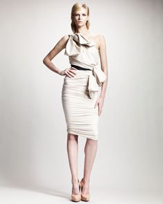 Only Lanvin can pull off 2 bows on the same dress. One-Shoulder Ruched Dress, Ivory by Lanvin at Neiman Marcus. Funky Dresses, Short Dresses, Dresses For Work, Formal Dresses, Pretty Dresses, Ruched Dress, Denim Fashion, High Fashion, Womens Fashion